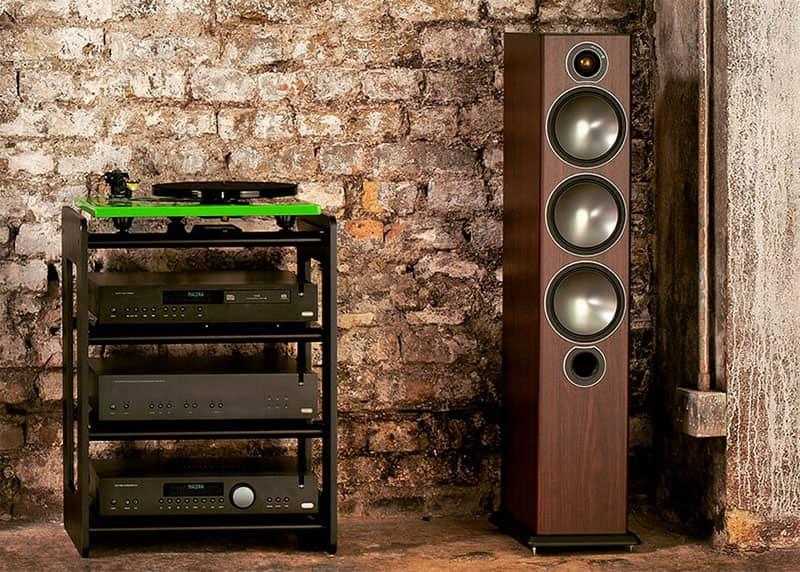 Floor-standers Monitor Audio Bronze 6 and amplifiers
