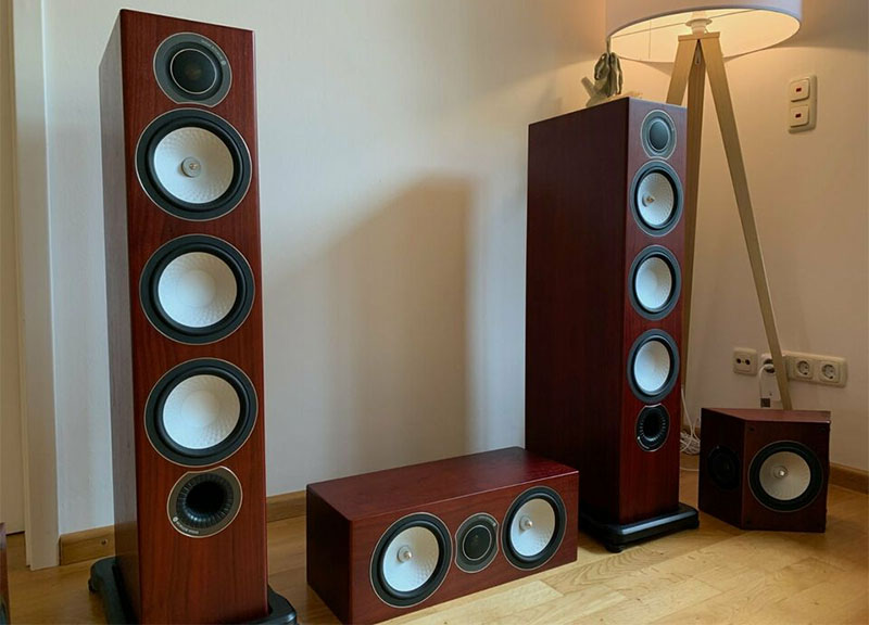 Monitor Audio RX8 and Monitor Audio RX2 speakers